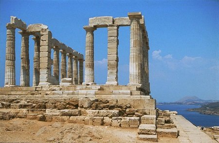 Top 10 Historical Monuments From The Ancient World